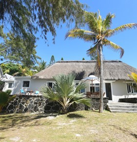 location-villa veloutier blanc beachfront -ile-maurice01