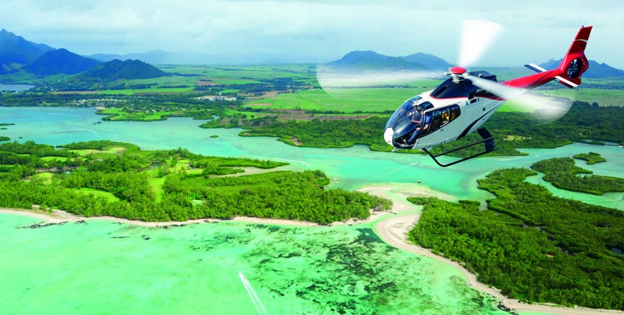 Corail Helicopteres - Ile aux Cerfs.jpg